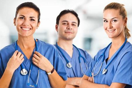 مشاوره در مورد گرفتن پرستار سالمند و پرستار بچه